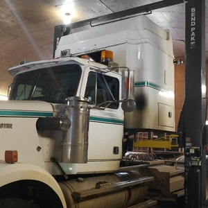 Freight Liner Heavy Duty Two Post Lift BendPak